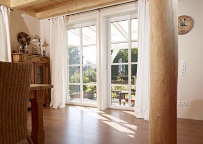 Objektbild mit VEKA Fenstern von innen