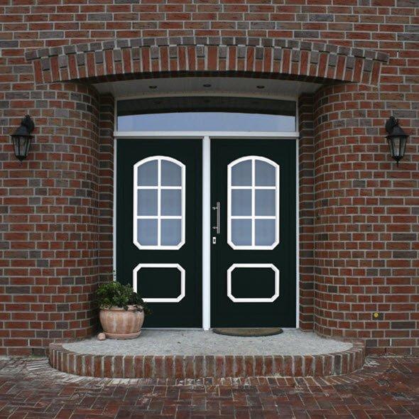 Haustür aus dem Programm Klassik von Oss Bauelemente