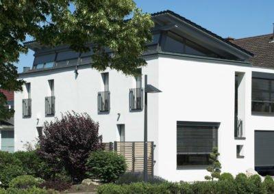 Raffstoren-MODULO-Objekbild-Haus-Fenster
