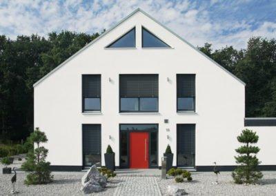 Raffstoren-MODULO-Objekbild-Haus-Tueren-und-Fenster