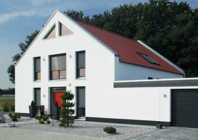 Raffstoren-MODULO-Objekbild-Haus-_Tueren_Fenster