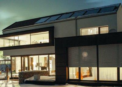 Rollladen-Objektbild-Haus-Winter
